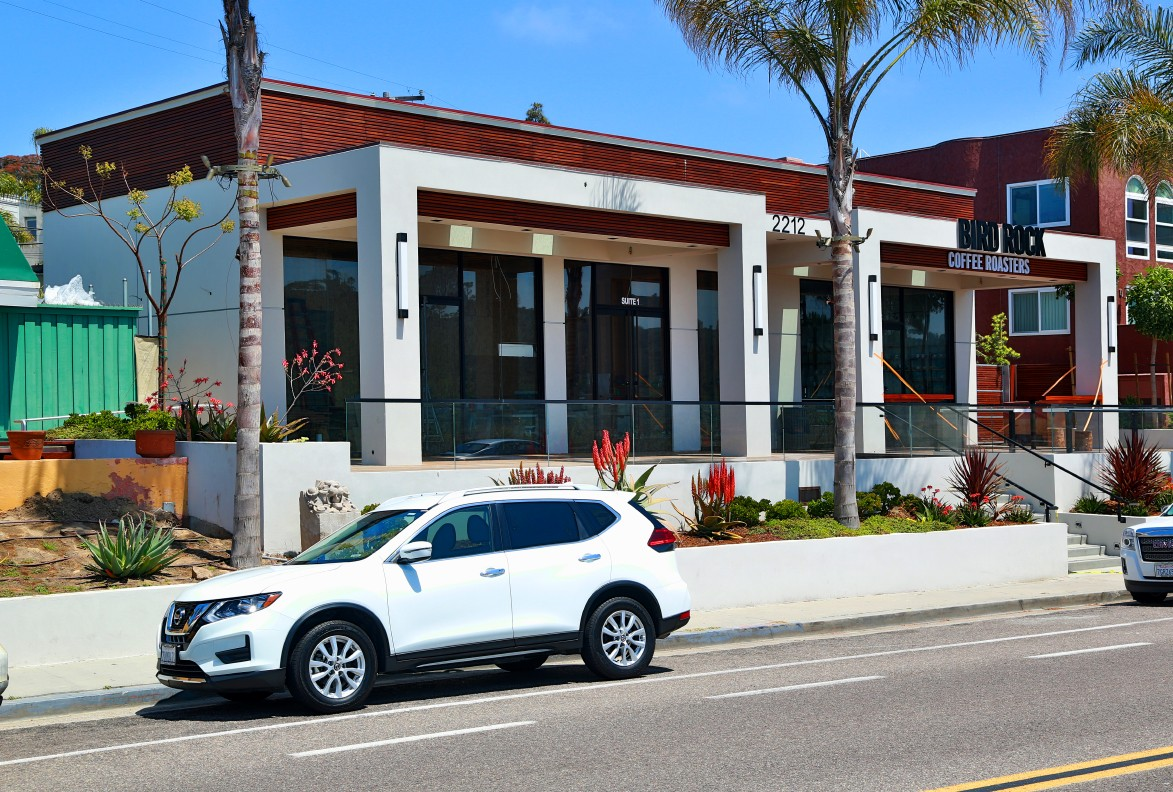 One of a Kind Restaurant, Bar, Cafe Property in Coastal Del Mar For Lease