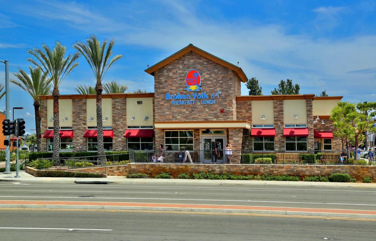 Broken Yolk Cafe – San Marcos