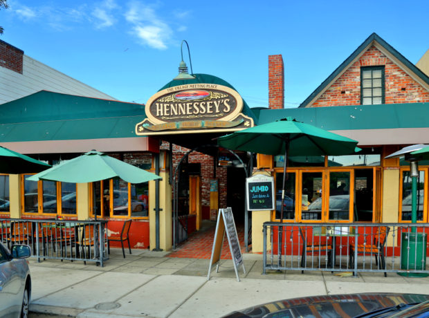 Hennessey's Tavern – La Jolla