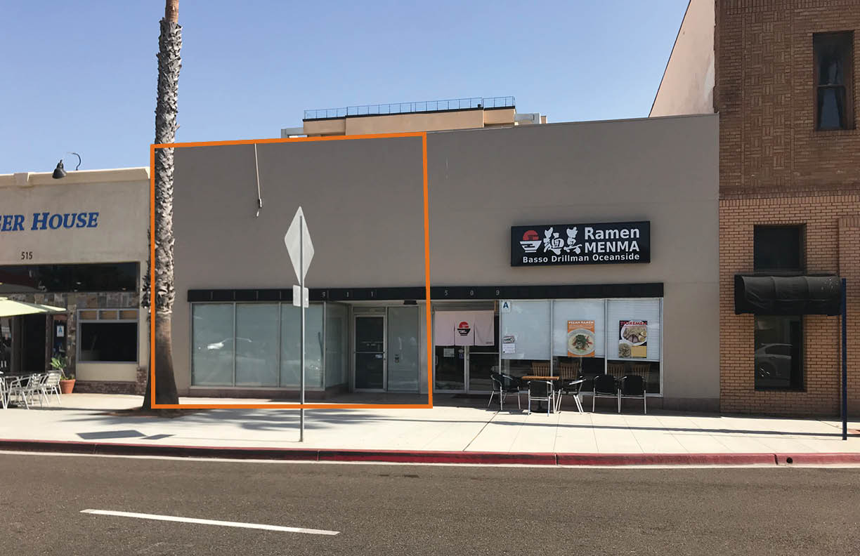 Prime Restaurant/Retail Space on Oceanside's Main Intersection