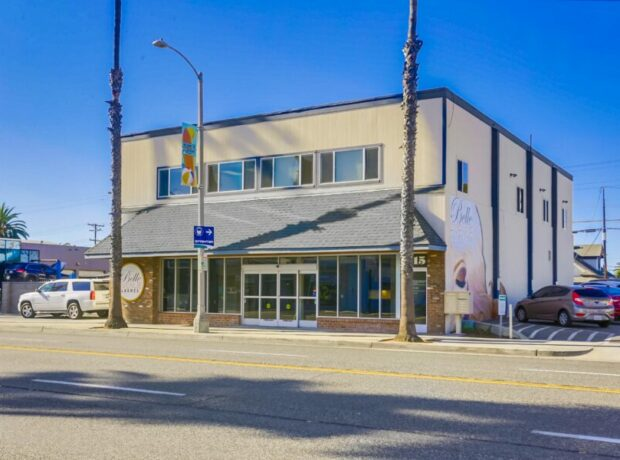 Central Downtown Oceanside Retail Space on Coast Hwy